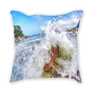 almofada decorativa com estampa de paisagem natural
