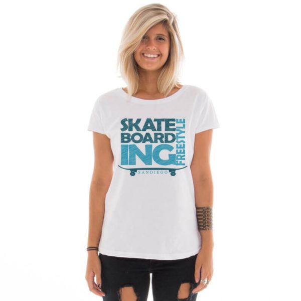Camiseta feminina com estampa Skateboard San Diego
