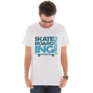 Camiseta masculina com estampa Skateboard